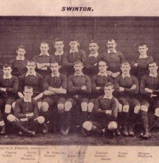 http://www.swintonlionstales.co.uk/uploads/gallery/Swinton_1901-02_small.jpg