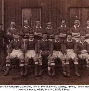 http://www.swintonlionstales.co.uk/uploads/gallery/Swinton_1922-23_small.jpg