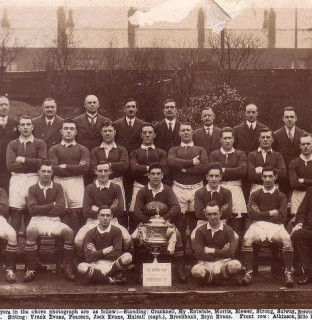 http://www.swintonlionstales.co.uk/uploads/gallery/Swinton_1926-27_small.jpg