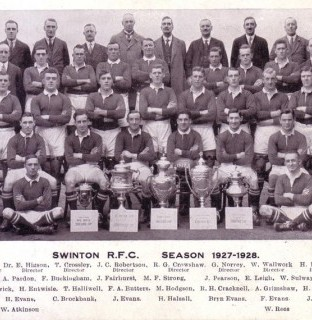 http://www.swintonlionstales.co.uk/uploads/gallery/Swinton_1927-28_a_small.jpg