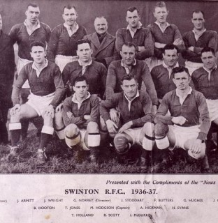 http://www.swintonlionstales.co.uk/uploads/gallery/Swinton_1936-37_small.jpg