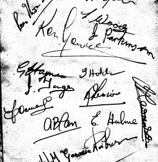 http://www.swintonlionstales.co.uk/uploads/gallery/Swinton_1954_autographs.jpg