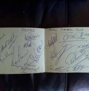 http://www.swintonlionstales.co.uk/uploads/gallery/sixties_autographs.jpg
