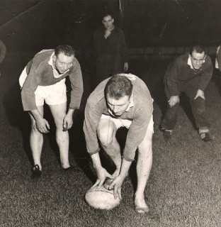 http://www.swintonlionstales.co.uk/uploads/gallery/training_session_1950s.jpg